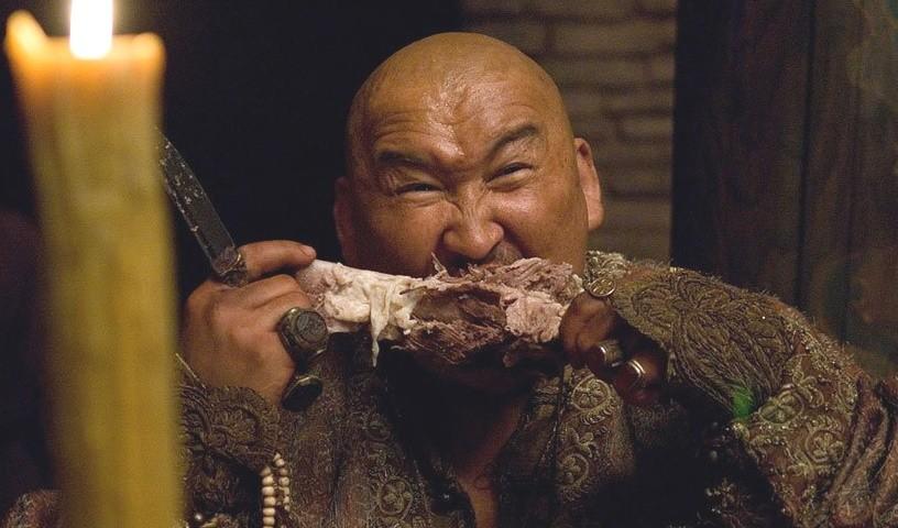 Монгол обедает